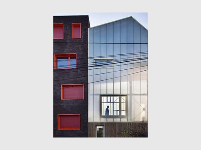 Un toit en polycarbonate - Maison trapèze