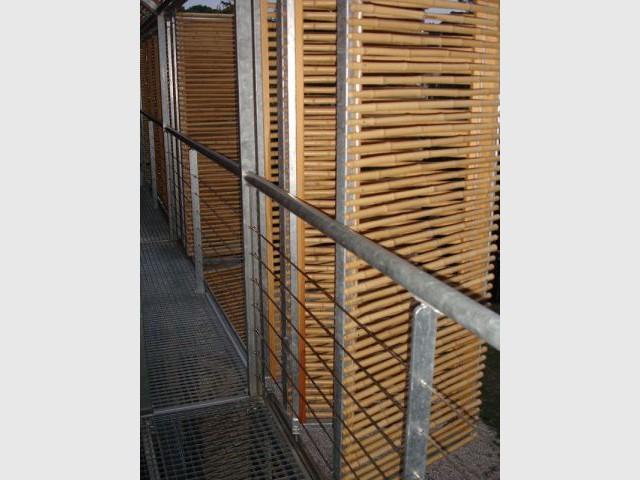 Environ 16 panneaux composent la face sud - maison passive certifiée