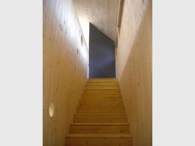Escalier principal - maison passive certifiée