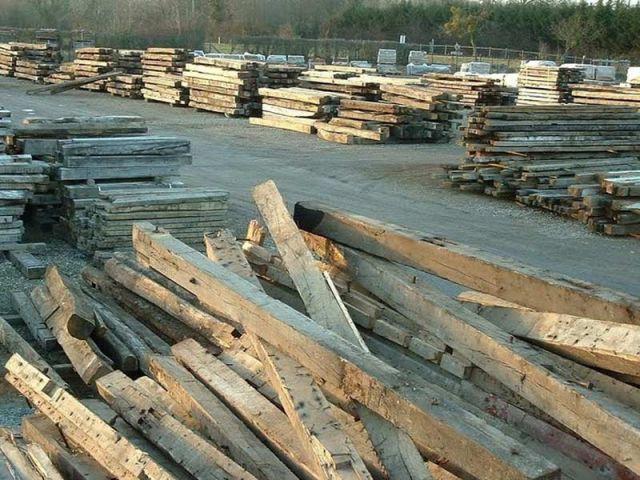 Stock de vieux bois