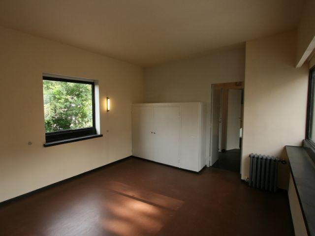 restauration haute en couleur pour la maison la roche de le corbusier. Black Bedroom Furniture Sets. Home Design Ideas