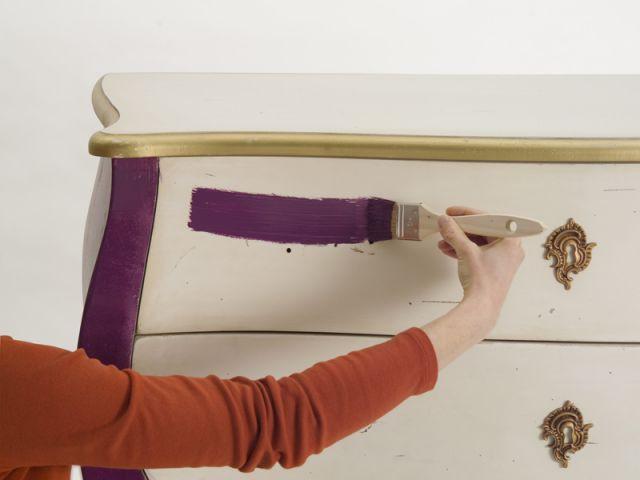 Pose de la peinture - meuble customisé