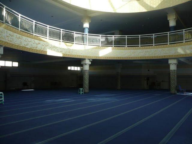 Salle inférieure réservée aux hommes - mosquée