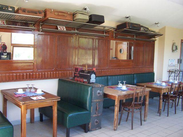 Salle du petit déjeuner - gare