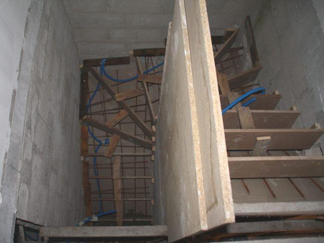 Garde-corps - escalier béton