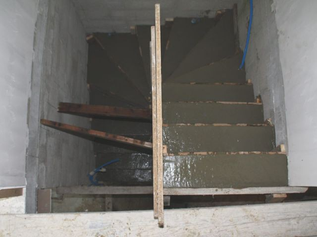 Coulage - escalier béton