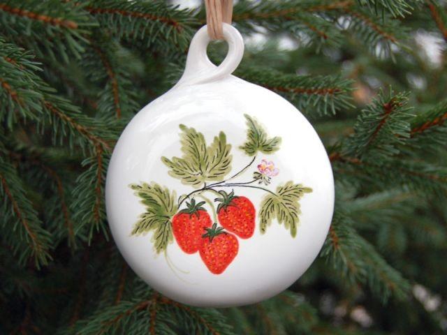 boule de Noël faïence fraise
