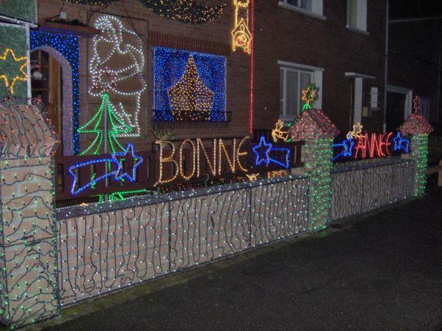 Clotûre - Maison illuminée - Illuminations Noël