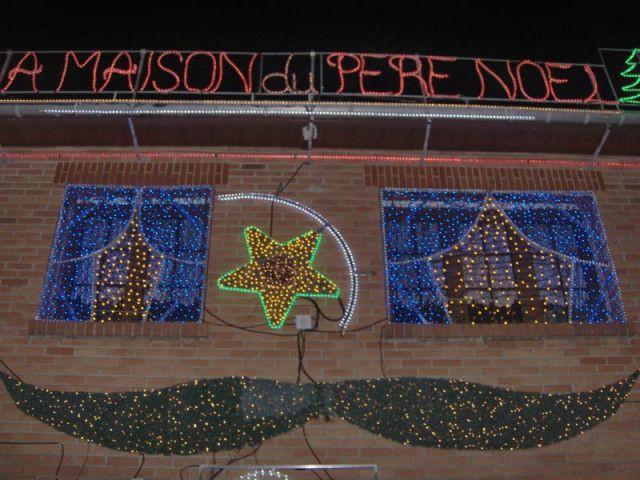 Détail façade - Maison illuminée - Illuminations Noël