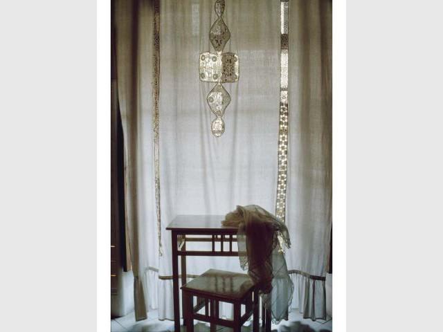Dans l'intimité de la chambre - Dans les armoires de nos grands-mères