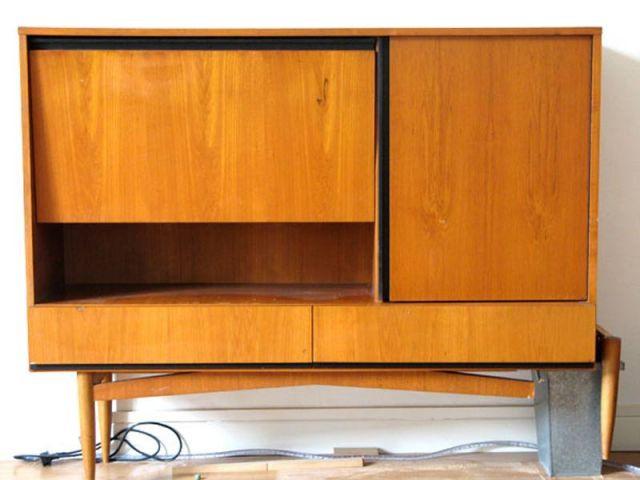 Relooking d 39 un meuble vintage for Meuble customise peinture