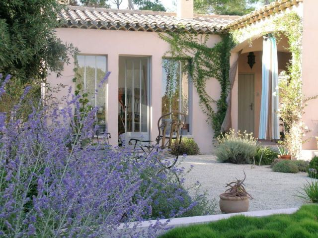 Jardin provencal terrasse deco jardin exterieur photos for Amenagement jardin provencal