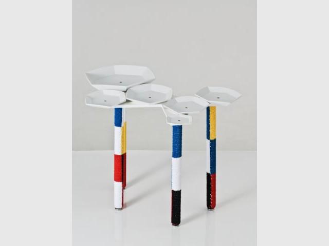 Sequin table - Exposition  Rodrigo Almeida