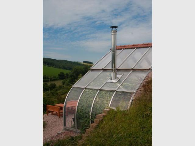 Toit et cheminée - maison Bio Solar