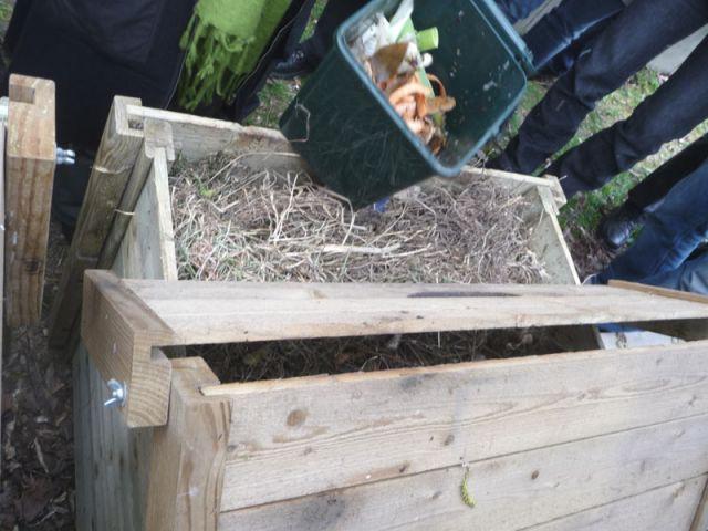 """Le """"bio-seau"""" - compost"""