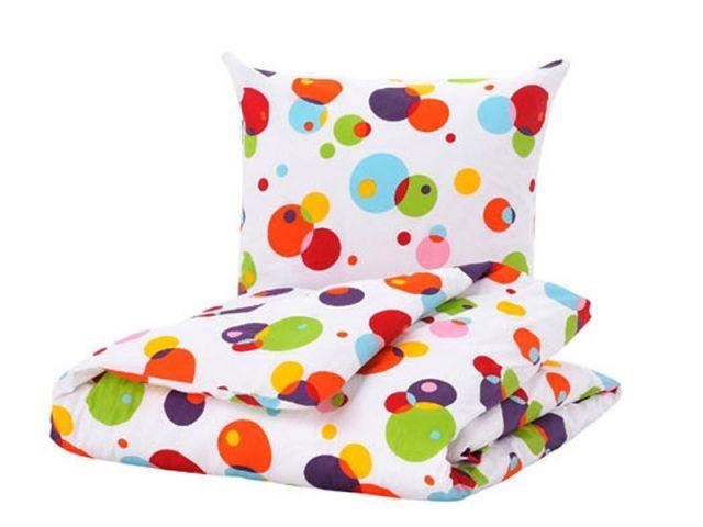 le linge de lit prend des couleurs. Black Bedroom Furniture Sets. Home Design Ideas