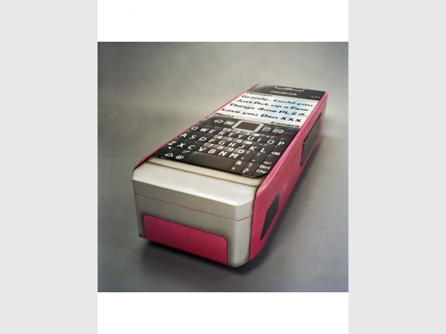 Téléphone portable - Exposition Fabuleux Cercueils