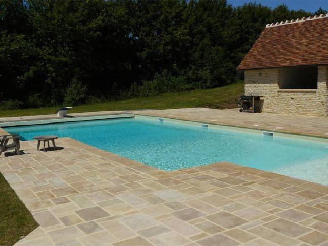 Piscine - pierre de Bourgogne