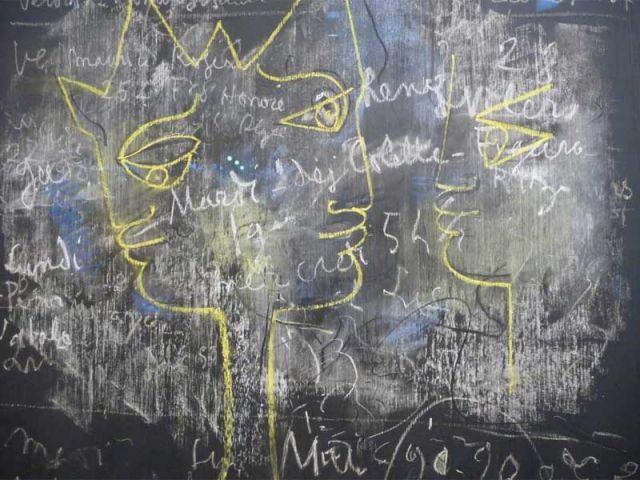 Tableau noir - tableau dans maison de Cocteau
