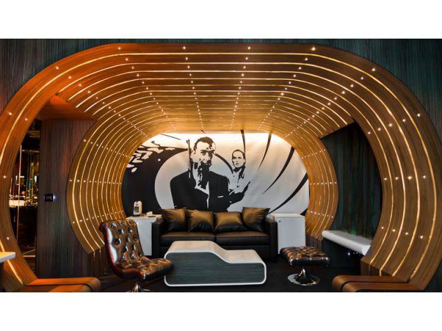 007 - un décor - hôtel Seven