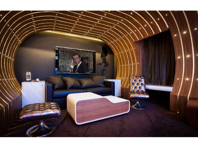 007 - spectaculaire - hôtel Seven