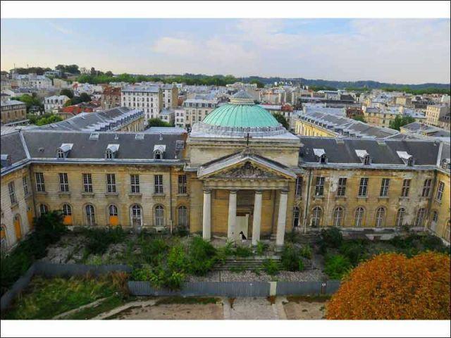 La chapelle - hôpital Royal Richaud Versailles