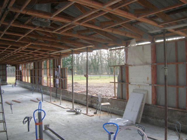 Début des travaux - Janvier 2008 - Reportage rénovation porcherie