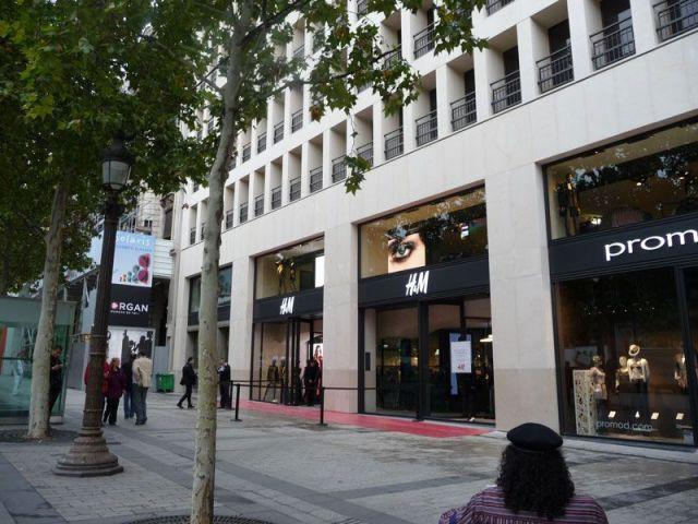 H&M sur les Champs-Elysées - h&m