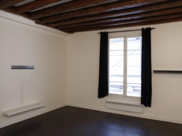 1 couple relève le défi de meubler son appartement ...