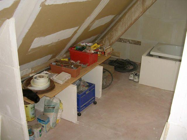 sous les toits une salle de bains ouverte. Black Bedroom Furniture Sets. Home Design Ideas
