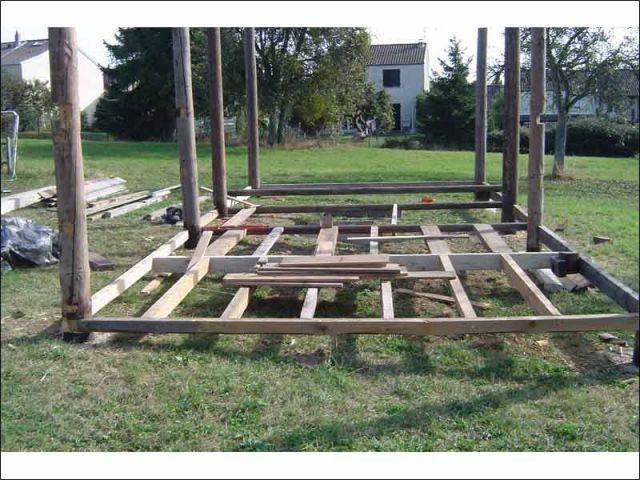 Construction - petite maison dans la prairie