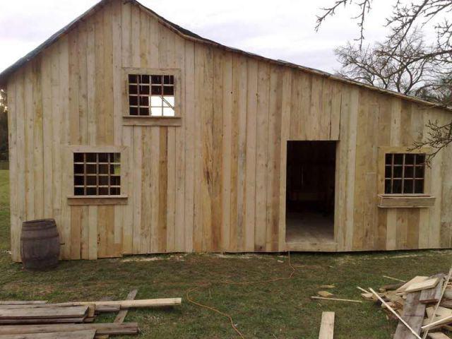 Maison presque terminée - petite maison dans la prairie