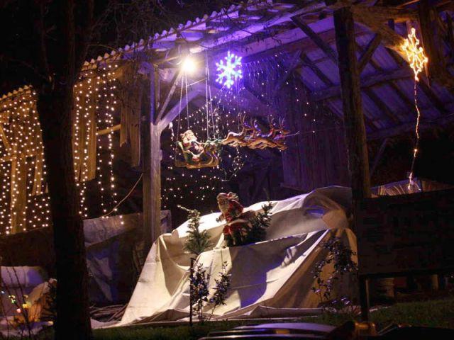 Le Père Noël à ski - Noel maison illuminée 2010