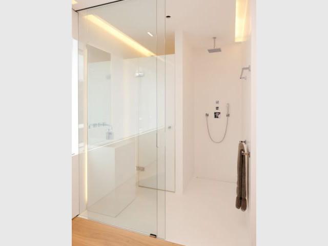 Salle de bains - Maison Hi-Macs