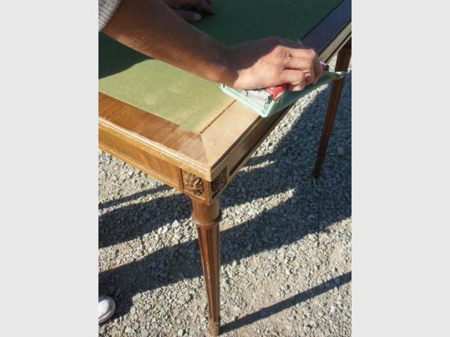 1ère étape : le ponçage - Relooking meubles anciens