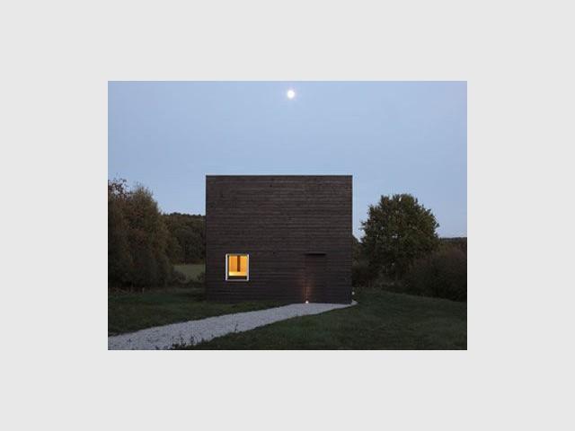 Une maison de petite surface - cube noir