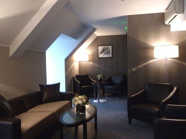 Salon - executive lounge