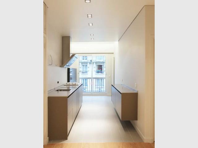 meubles anciens et pi ces modernes pour un appartement mosa que. Black Bedroom Furniture Sets. Home Design Ideas