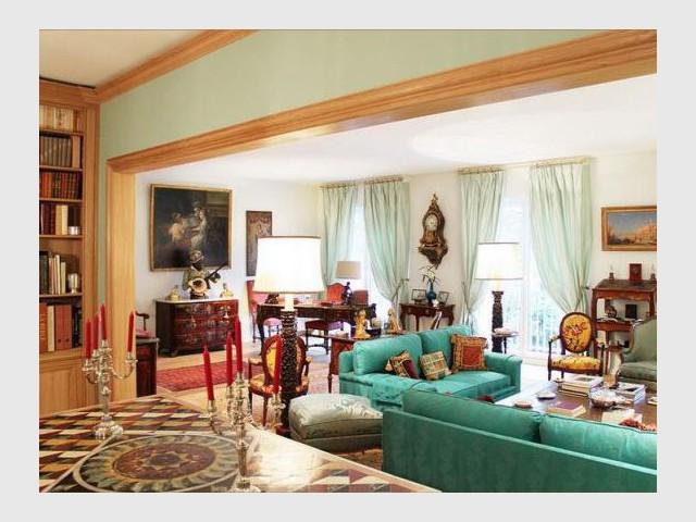 allier meubles anciens et modernes les meubles de mtier s invitent dans toutes pices meuble. Black Bedroom Furniture Sets. Home Design Ideas