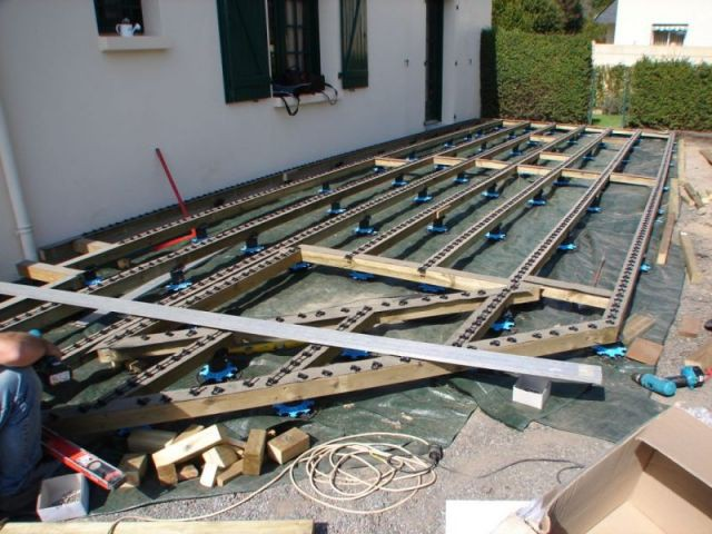 Etape 5 : pose des lames - Montage terrasse bois
