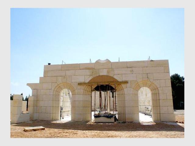 Les difficultés techniques : pierres de voute - Bâtisseur de monastère