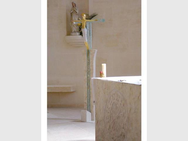 Le crucifix - Bâtisseur de monastère