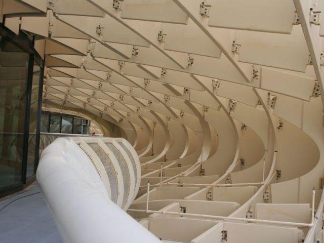 Un restaurant panoramique à plus de 300 mètres de haut - Parasol Seville Finnforest