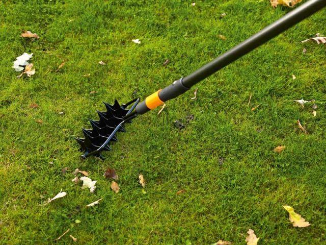 Aérer la terre sans la labourer - Préparer son jardin au printemps