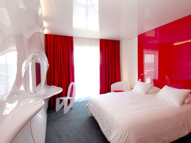 Chambre rouge - Quality Suites®