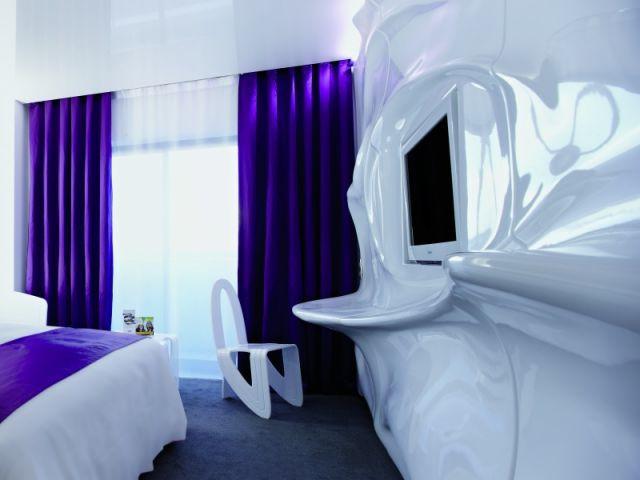 Des pièces aux formes organiques pour l'hôtel Arcachon - Quality Suites®