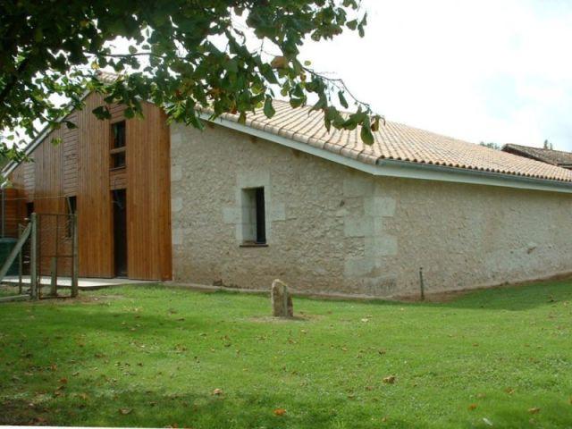 Une maison bois construite sur les vestiges d'un hangar agricole (suite) - Bernard Bordelais
