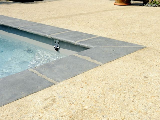 Une piscine en harmonie avec son environnement (suite) - Lafarge Bétons