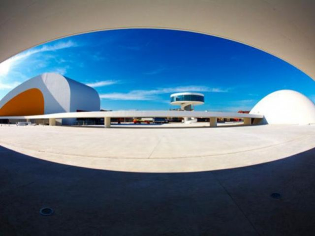 Centre culturel international Oscar Niemeyer - Centro Niemeyer