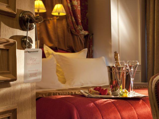 Chambre Boudoir rouge  - Hôtel de Buci